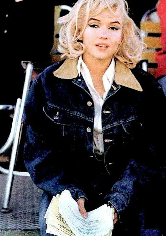 Marilyn Monroe Jeans Classic Fashion Icons
