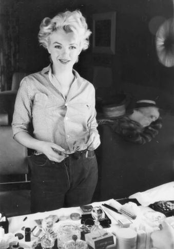 Marilyn Monroe Jeans -  Classic Fashion Icons