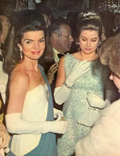 Jackie Kennedy and Grace Kelly - Classic Fashion Icons
